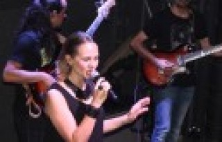 Pandora Band Konseri Mest Etti