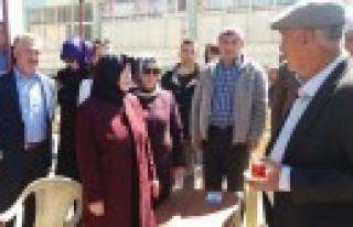 Reyhanlıoğlu, Ekinözü'nde Referandumu Anlattı