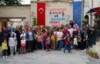 Sanko Holding Minik Öğrencileri ve Annelerini Konuk...