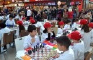 Satranç Turnuvası Piazza AVM'de Başlıyor