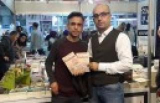 Tufan Yıldırım İstanbul'da Kitaplarını İmzaladı