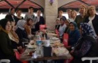Türk Anneler Derneği Tüm Şehit Annelerini Yılın...