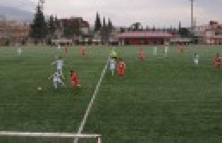 Türkoğlu Belediye Spor Play Off İddiasını Sürdürüyor...