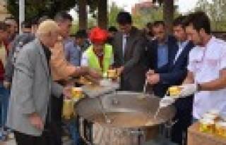 Türkoğlu Belediyesi Aşure Etkinliği Düzenledi