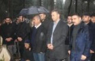 Ülkü Ocakları Şehit Erkenez Kardeşleri Kabri...
