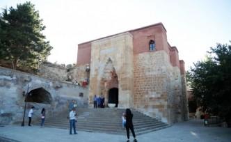 Eshab-ı Kehf Külliyesi, Kovid-19 Uykusundan Uyandı