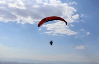 Paraşütçülerin Gözdesi: Kardelen Tepesi