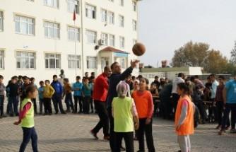 Büyükşehir'den Spor Sokakta Uygulaması