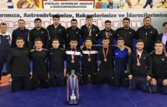 Büyükşehir Minderde Yarı Finalde