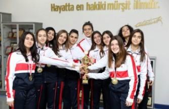 SANKO Okulları Şampiyonluğa Ambargo Koydu
