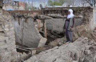 Elbistan'da Yaşlı Kadının Evi Çöktü