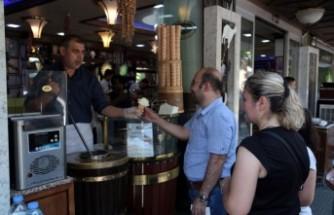 Dondurma Yemek İçin Kahramanmaraş'a Akın Ediyorlar