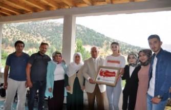 Çiftçi Ailenin Milli Kızına Başkan Cüce'den Ziyaret