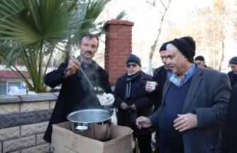 Sokakta 1 Liraya Tirşik Çorbası İçiyorlar