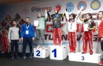 Türkiye Açık Kickboks Turnuvası'ndan Kahramanmaraş'a  2 Madalya