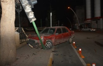 Kahramanmaraş'ta İki Otomobil Çarpıştı: 5 Yaralı