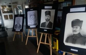 """Suriyeli Öğrencilerden """"Kahramanlarımız"""" Sergisi"""
