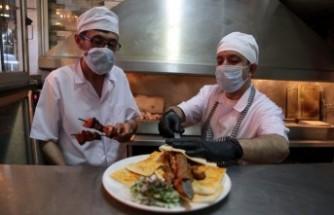 Restoran ve Kafeler Müşteri Kabul Etmeye Başladı