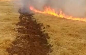 Anız Yangınına Traktörle Müdahale Edildi