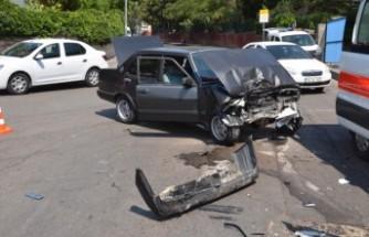 Kahramanmaraş'ta İki Trafik Kazasında 4 Kişi Yaralandı