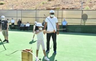 Türkoğlu'nda Şehit ve Gazi Çocukları At Bindi, Ok Attı
