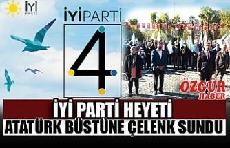 İYİ Parti Heyeti Atatürk Büstüne Çelenk Sundu