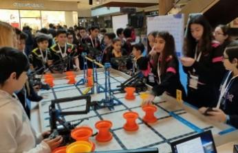 Geleceğin Robot Tasarımcıları Piazza'da Yarıştı