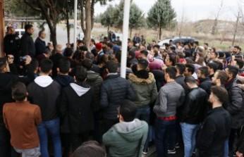 KSÜ Öğrenciler Binanın Çürük Raporu Var Diye Derse Girmedi