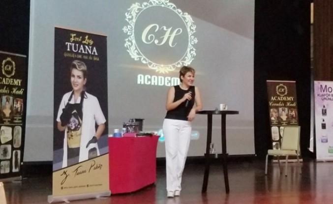 First Lady Tuana, Antalya'da Kalıcı Makyaj Eğitimi Verdi
