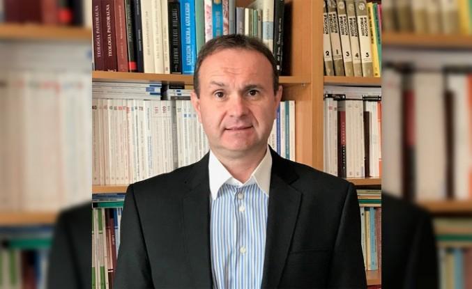 Prof. Dariusz Krok: Şiddet Sarmalını Din Çözer