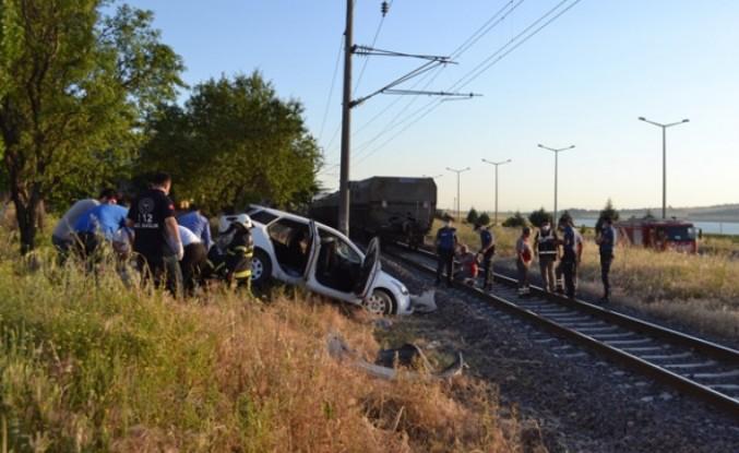 Kahramanmaraş'ta Otomobil Yük Trenine Çarptı