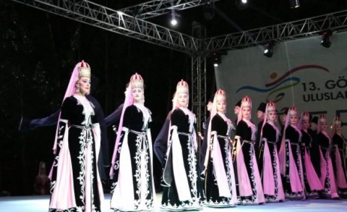 Uluslararası 13. Kafkas Kültür ve Sanat Festivali'ne Yoğun İlgi