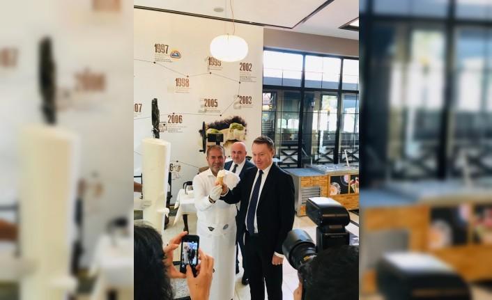 Avusturalya Büyükelçisi'nin Kervan'a Ziyareti