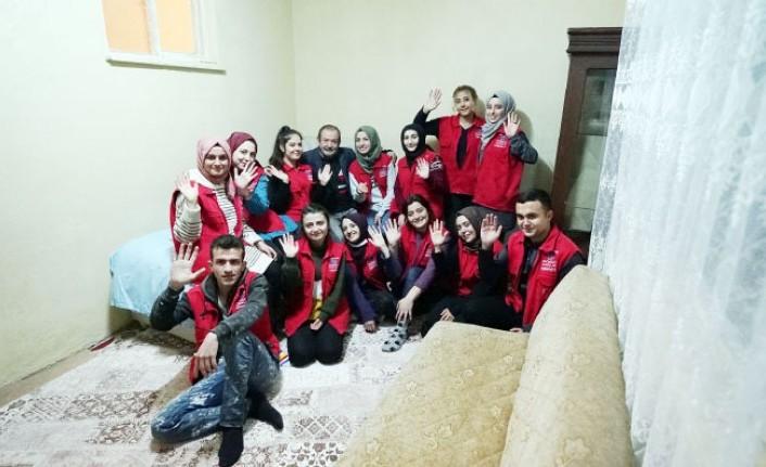 Gönüllü Gençlik Gönüllere Dokunuyor