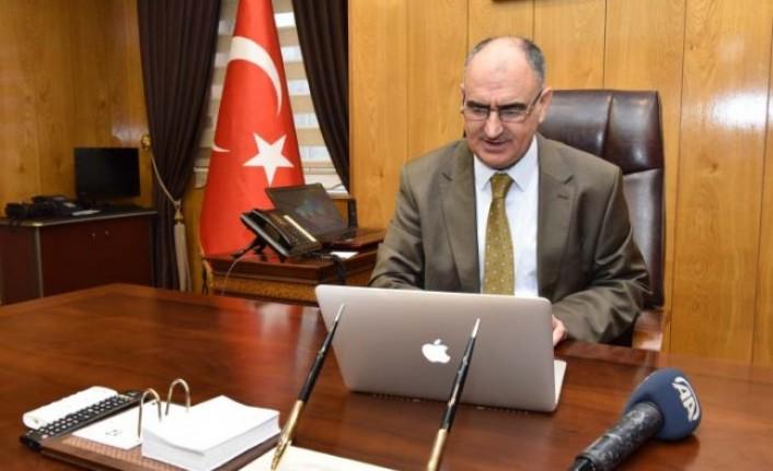 """Vali Özkan, AA'nın """"Yılın Fotoğrafları"""" Oylamasına Katıldı"""