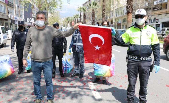 İş İnsanı Adem Mağralı'dan Polislere Sürpriz